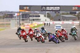 เต็งแชมป์ ต๋ง - พีรพงศ์ บุญเลิศ บิด R6 ทะยานคว้าชัยเรซ 2 รุ่น SUPERSPORTS 600cc ศึกชิงแชมป์เอเชียสนาม 2 เก็บแต้มเต็ม 100 รั้งจ่าฝูง