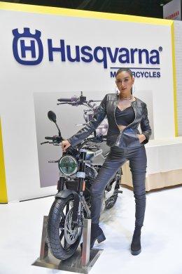 """""""วรูม ไทยแลนด์"""" รุกตลาดครึ่งปีหลังส่ง 3 แบรนด์รถจักรยานยนต์ระดับโลก KTM-Husqvarna-BAJAJ"""
