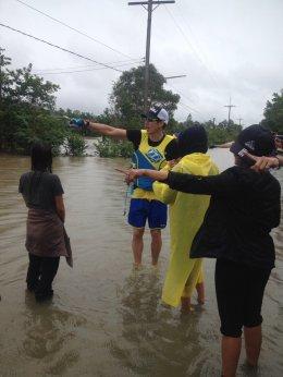เจ เจตริน นำ WaveRunner เข้าช่วยเหลือผู้ประสบอุทกภัยเมืองนครศรีฯ