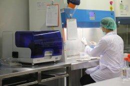 """""""สุวิทย์ เมษินทรีย์"""" รมว.การอุดมศึกษาฯ ลงพื้นที่เดินหน้าทดสอบวัคซีนโควิด-19 โดยใช้สารพันธุกรรมของเชื้อ """"ชนิด mRNA"""" ในลิง"""
