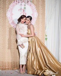 """ส่องชุด """"อั้ม พัชราภา"""" ที่ซื้อเผื่อไว้ใส่ในงานแต่งงานตัวเอง"""