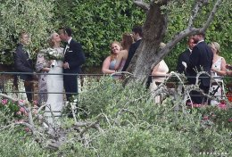 """""""แมทธิว เลวิส"""" อดีตพ่อมดน้อย """"เนวิลล์ ลองบัตทอม"""" จาก Harry Potter เข้าพิธีแต่งงานแล้ว"""