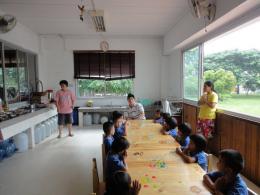 กิจกรรมเพื่อสังคมของบริษัท 0009 เลี้ยงอาหารเด็กกำพร้า มูลนิธิเด็กสาย4 วันที่ 2-6-54