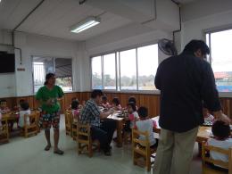กิจกรรมเพื่อสังคมของบริษัท 0015 เลี้ยงอาหารเด็กกำพร้า มูลนิธิเด็กสาย4  30-1-55