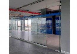 งานผนังกระจก สำนักงาน 5 ชั้น