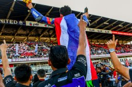 """แสตมป์-อภิวัฒน์ ฟอร์มเฉียบ คว้า""""ดับเบิ้ลแชมป์""""  Super Sports 600ทั้ง2เรซ  เพลงชาติไทยกระหึ่มสนามโฮมเรซ ส่งท้ายศึกชิงแชมป์เอเชีย"""