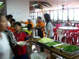 บอนแบค รวมน้ำใจช่วยผู้ประสบภัยน้ำท่วม 2554