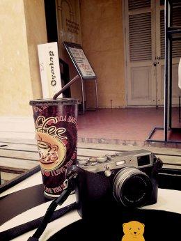 ชมตำหนัก จิบกาแฟ ซื้อหนังสือศิลปะ