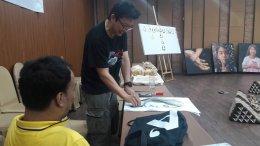 เอกชัย วรรณแก้ว ประธานโครงการอาสาศิลป์   อบรมศิลปินที่ผ่านการคัดเลือก รุ่น 3