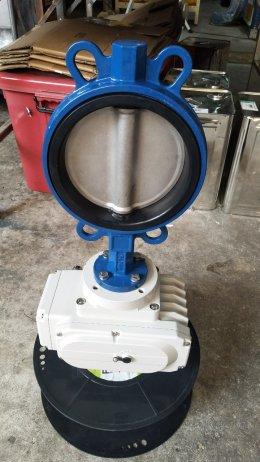 หัวขับวาล์วไฟฟ้า 220VAC ประกอบ butterfly valve DN 150 flange PN16