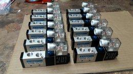 4V210-08 เกลียว 2หุน pneumatic valve