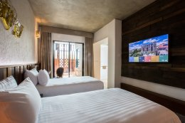 โรงแรม นที เดอะ  ริเวอร์ฟร้อนท์, กาญจนบุรี (Natee The Riverfront Hotel, Kanchanaburi)