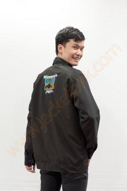 เสื้อแจ็คเก็ตผ้าคอมทวิวสีดำล้วน ปัก waterwork ด้านหลัง
