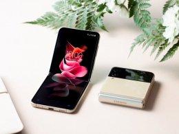 Samsung Smartphone Galaxy Z Flip 3 (5G) โทรศัพท์มือถือฝาพับสุดล้ำ จอใหญ่…แต่เครื่องเล็ก พับเก็บได้สบายกระเป๋า อัปเกรดจอ 120Hz ทนน้ำ IPX8