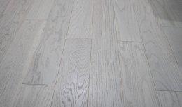 ไม้พื้นเอ็นจิเนียร์ สี Pearl Oak