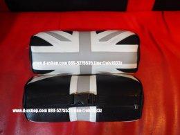 หมอนรองคอหนังดำปักลายธงชาติอังกฤษเทาดำ สำหรับรถทุกรุ่น