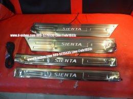 กาบบันไดมีไฟตัวเต็มตรงรุ่นแสงสีฟ้า Toyota Sienta