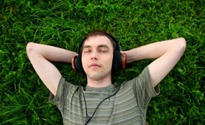 ฟังดนตรีคลายเครียด