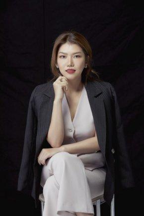จากติดลบสู่พันล้าน เอมมี่-อมราพร เจียง หญิงเก่งเบื้องหลังธุรกิจขนส่งครบวงจรรายใหญ่ของเมืองไทย