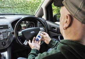 ฟอร์ดพร้อมปกป้องวัสดุภายในรถ เพื่อให้คุณใช้เจลล้างมือได้อย่างสบายใจ