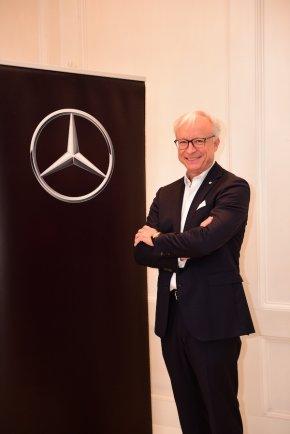 """เมอร์เซเดส-เบนซ์ เผยยอดขายโต เตรียมส่ง """"The new E-Class"""" ลุยตลาด"""