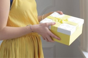 Which Gift Suits Your Couples?