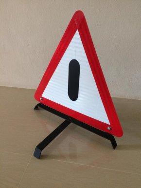 กรมการขนส่งทางบกบังคับรถขนส่งต้องมีป้ายแสดงเมื่อจอดรถ