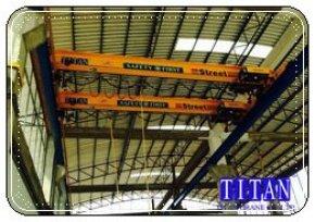 เครนเหนือศีรษะ แบบคานเดี่ยว น้ำหนักยก 5 ตัน กว้าง 8 เมตร ระยะยกสูง 10 เมตร รางวิ่งยาว 32 เมตร