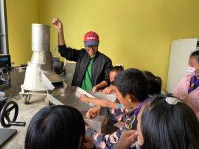 วช. ส่งเสริม มก.ผลิตเครื่องกะเทาะเมล็ดแมคคาเดเมีย เพิ่มมูลค่า สู่ภาคอุตสาหกรรม