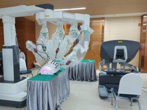 133 ปี รพ.ศิริราช 104 ปี ภาควิชาศัลยศาสตร์ ผ่าตัดด้วยหุ่นยนต์รักษาผู้ป่วยด้อยโอกาส 237 ราย โดยไม่เสียค่าใช้จ่าย