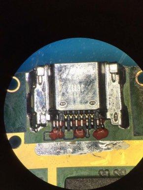 ซ่อมมือถือ ชาร์จไม่เข้า โทร 0876665432 LUCK13MOBILE ลาดพร้าว