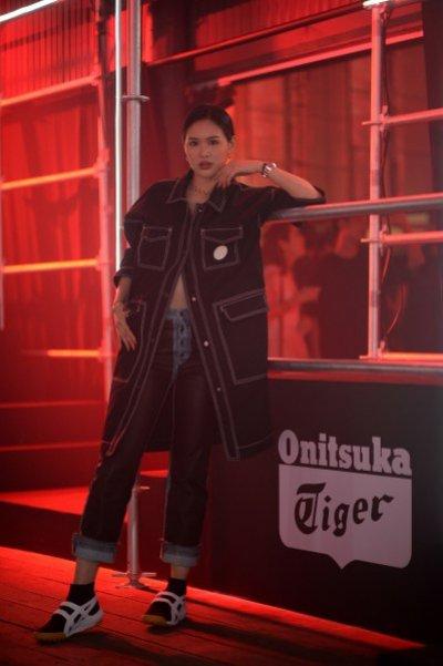"Onitsuka Tiger Autumn Winter 2019 เปิดตัวธีม ""Downtown Rave"" แรงบันดาลใจจากวัยรุ่นยุค '90s"