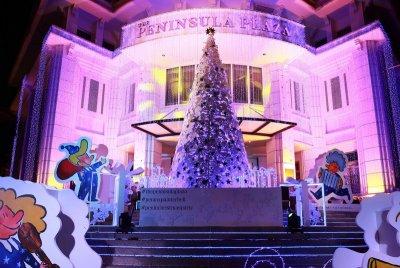 เดอะ เพนนินซูล่า พลาซ่า เปิดไฟต้นคริสมาสต์ พร้อมการ์ตูนฝรั่งเศส John Lulu and Friends