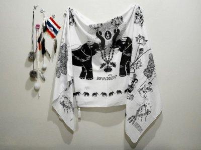 """Soda สร้างสรรค์ผ้าพันคอ """"พอเพียง"""" สมทบทุนมูลนิธิศูนย์มะเร็งเต้านมเฉลิมพระเกียรติฯ"""