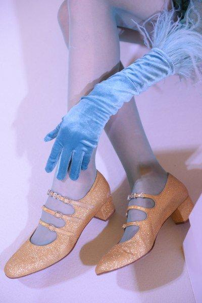 "SRETSIS FW 2018 ""MAGIC HOUR"" จับมือ ""คาเรล"" แบรนด์รองเท้าเก่าแก่จากปารีสเปิดตัวครั้งแรกในไทย"