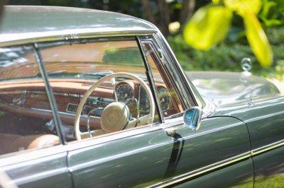 """Sunplay Bang Saray"" จัดงานโชว์รถยุโรปสุดหรู รวมเหล่าเซเลบโชว์ตำนานรถหายาก"