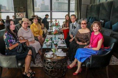 "THE ST. REGIS BANGKOK X TAWN C. เปิดตัว ชุดน้ำชายามบ่าย ""Old New York – Modern Bangkok"""