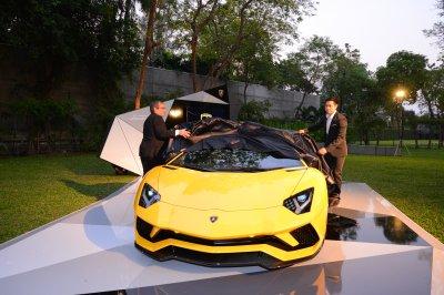 "The Private Preview สุดเอ็กซ์คลูซีฟกับ ""Lamborghini Aventador S"" รุ่นล่าสุด เผยโฉมก่อน Geneva Motor Show 2017"
