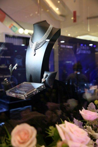 """พรีม่าไดมอนด์ เปิดตัวคอลเลคชั่นวาเลนไทน์ """"The Empress Collection"""" มูลค่ากว่า 2 ล้านบาท"""