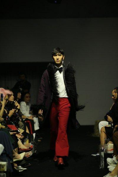 """THEATRE"" เสนอ ""From Vienna To Vientiane Couture Collection"" บาโรกสุดหรู ผสานกับ ผีตาโขนสุดเริ่ด"