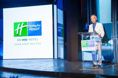"""โรงแรม Holiday Inn Vana Nava Hua Hin เปิดตัวอลังการ พร้อมโชว์ เจนี่, ทาทา และ """"คริสติน่า"""
