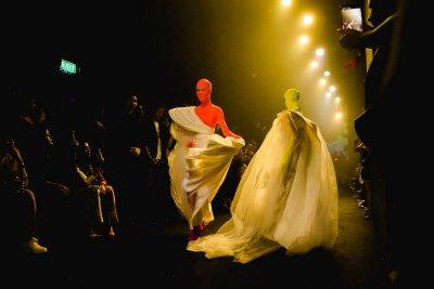 KOI ต้อนรับคอลเลคชั่นใหม่ จาก ส.ก.บ. Worship by Prapakas โดยคุณประภากาศ ใน Koi Fashion Gala