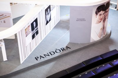 """TANACHIRA"" ฉลองครบรอบ 8 ปี PANDORA พร้อมเปิดตัวคอลเลคชั่น 'PANDORA REFLEXIONS'"