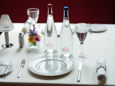 OGEU น้ำแร่ธรรมชาติพรีเมี่ยมจากฝรั่งเศส เปิดตัวในฐานะเครื่องดื่มคู่อาหารระดับกูร์เม่ต์