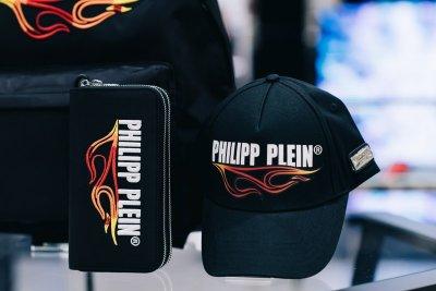 """""""ฟิลลิป ไพลน์"""" (PHILIPP PLEIN) ไฮเอนด์สตรีทแบรนด์จากสวิสฯ บินลัดฟ้า ระเบิดความ Bling ครั้งแรกในไทย"""