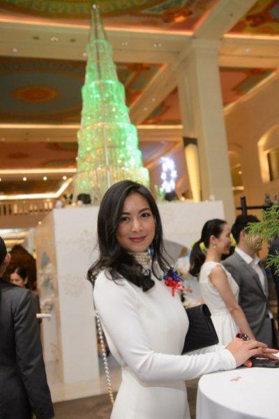 Anantara Siam Bangkok Hotel organises Christmas Tree Charity Project