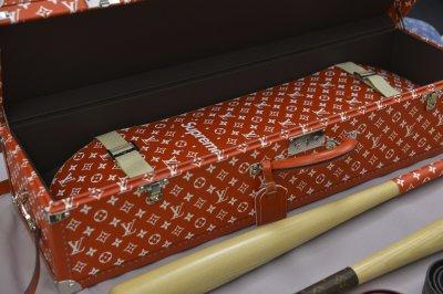 Louis Vuitton X Supreme รังสรรค์ใหม่จาก Kim Jones พร้อมข่าวลือ