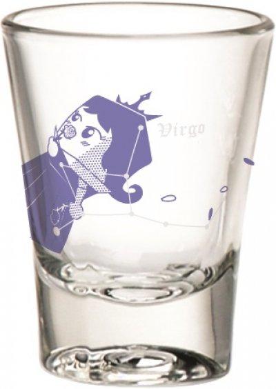 แก้วน้ำคู่รักใส่น้ำเย็นๆดื่มกับเธอ