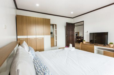 One Bedroom with Living Room (71 Square Meters Space)