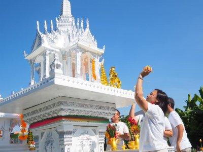 พิธีตั้งศาลพระภูมิบ้านคุณธนวัฒน์และคุณจินดา